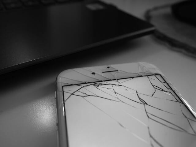 iPhone8 液晶パネル修理 2020年7月26日